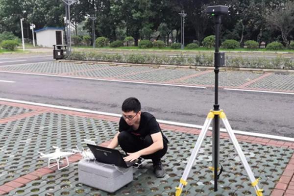 这一份精灵4PRTK解决方案无人机地形测量测试报告请查收!