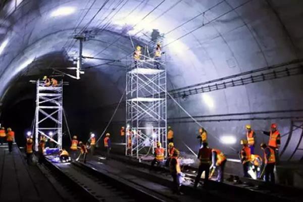 沪蓉铁路(合武段)轨道交通运营监测时速250公里动态检测圆满成功